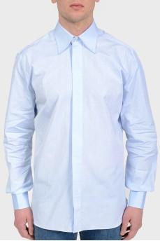Голубая рубашка в принт с лого