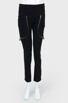 Черные зауженные брюки с молниями
