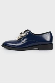 Лаковые синие туфли