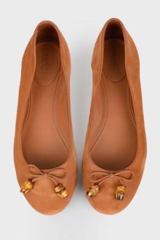 Замшевые оранжевые балетки