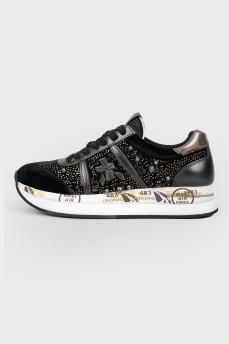 Черные кроссовки в пайетках