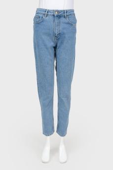 Голубые джинсы mom