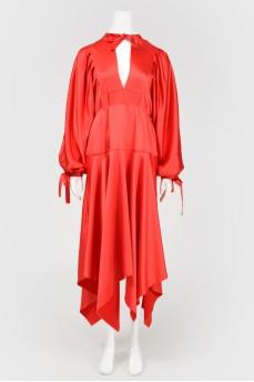Красное сатиновое платье миди