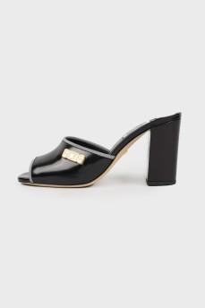 Черные мюли на каблуке