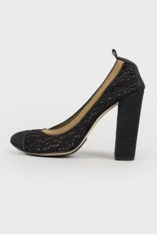 Черные кружевные туфли