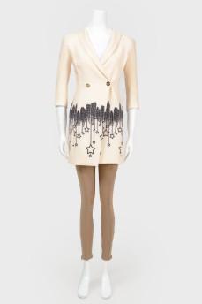 Бежевое платье-пиджак