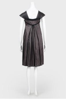 Серое платье из тафты