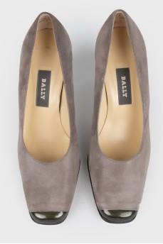Серые туфли с квадратным носком
