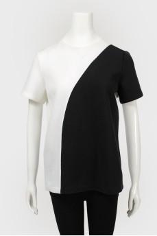 Черно-белая футболка