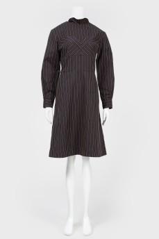 Черное платье с элементами бюстье
