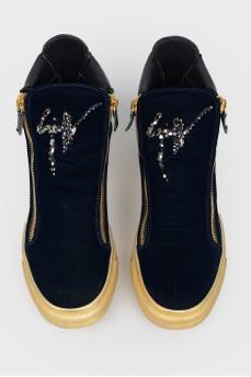 Велюровые синие ботинки