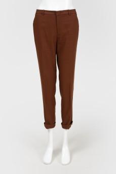 Коричневые укороченные брюки