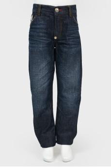 Широкие джинсы с вышивкой на карманах