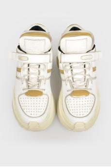 Коданые кроссовки с поролоновыми вставками