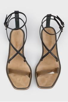 Босоножки на каблуке kitten heels