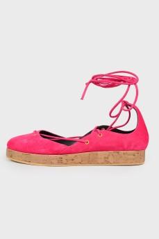 Туфли со шнуровкой с биркой