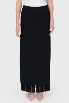 Черная прямая юбка с бахромой