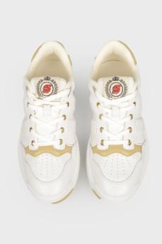 Кожаные белые кроссовки с бежевыми вставками