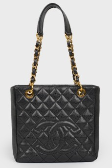 Черная стеганная сумка
