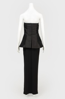 Черное платье макси с баской