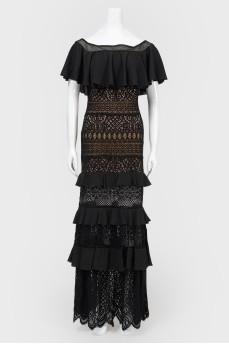Кружевное платье в пол с открытыми плечами