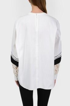 Блуза с кружевными вставками на рукавах с биркой