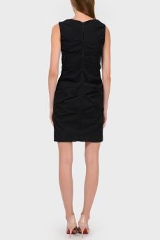 Платье с поперечными складками