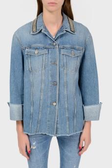 Джинсовая куртка со стразами на воротнике