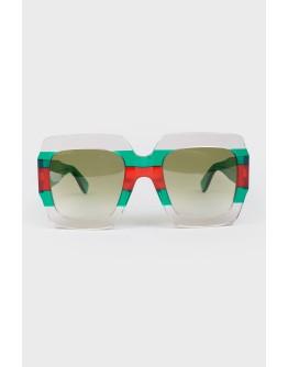 Солнцезащитные очки в зеленой оправе