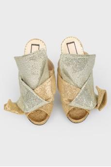 Туфли с открытым носком и серебряным бантом с биркой