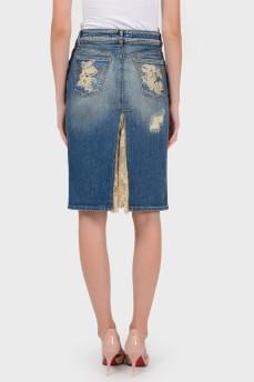Джинсовая юбка с высоким разрезом