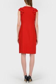Красное прямое платье с рюшами с биркой