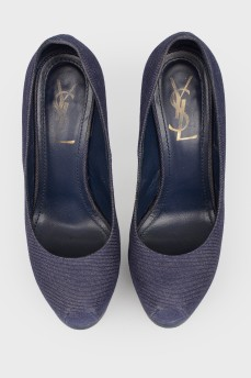 Синие туфли на высокой шпильке