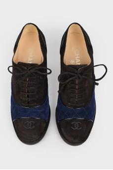 Ботинки на шнуровке с синей замшевой вставкой