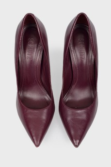 Фиолетовые кожаные туфли на шпильке