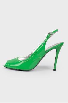Зеленые лакированные босоножки на высокой шпильке
