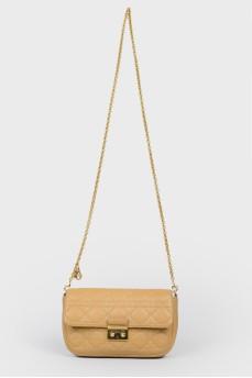 Кожаная стеганая сумка с ремнем-цепочкой