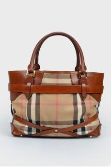 Клетчатая коричневая сумка с двумя ручками