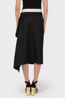 Асимметричная черная юбка на пуговицах