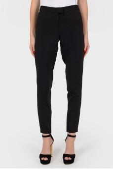 Черные брюки с молнией внизу