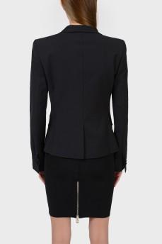 Однобортный черный пиджак на пуговице