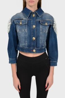 Укороченная джинсовая куртка с бусинами