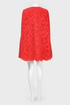 Красное платье-кейп кружевное