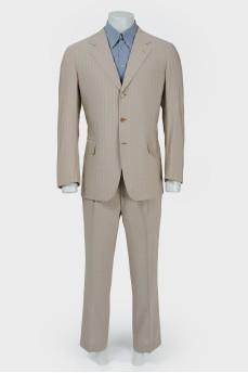 Мужской костюм бежево-коричневый  в голубую полоску