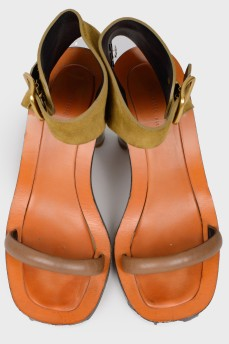 Замшевые босоножки на металлическом высоком каблуке