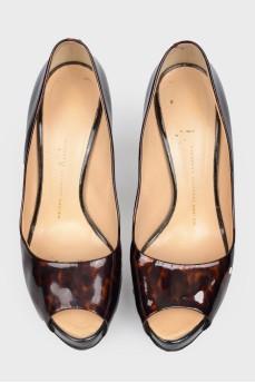 Туфли из лакированной кожи в леопардовый принт