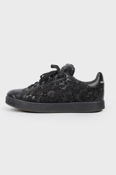 Кружевные кроссовки
