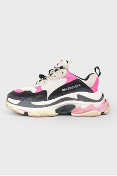 Кроссовки Balenciaga Triple-s с черными и розовыми вставками