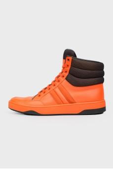 Оранжевые кожаные кроссовки высокие