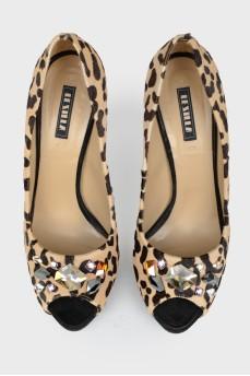 Туфли в леопардовый принт с открытым носком
